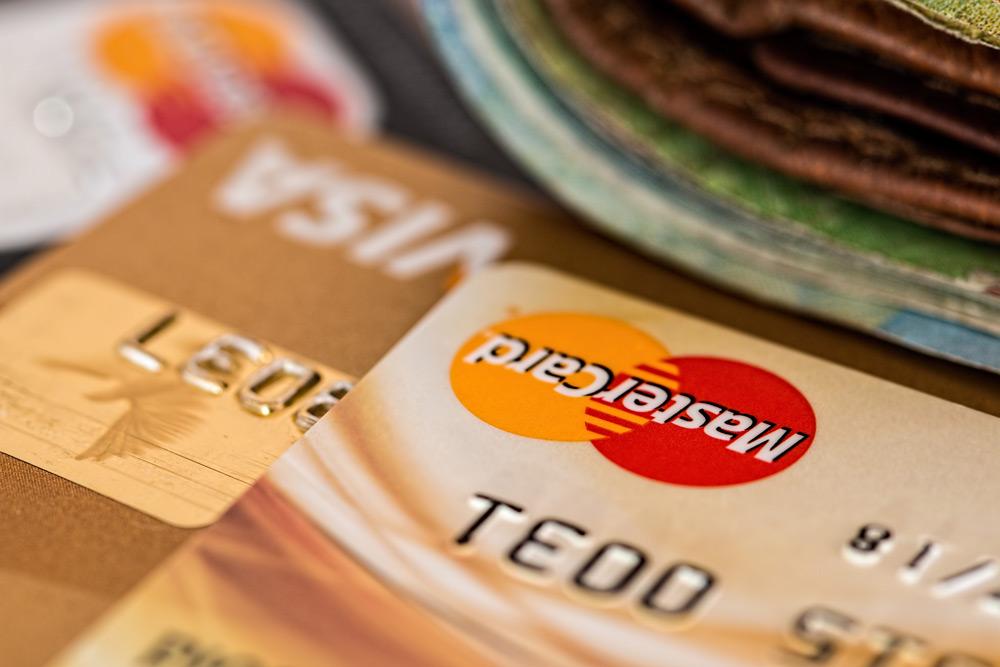 Keuntungan punya kartu kredit